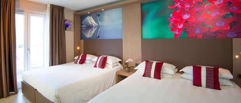 Hotel Giardinetto, Lake Orta, Italy - twim bedroom.jpg
